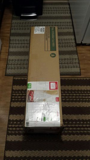 6.5ft non-lit Jackson Spruce tree. New in box for Sale in Everett, WA