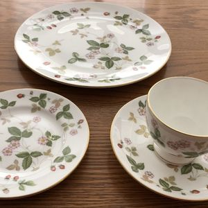Wedgwood Bone China Wild Strawberry Tea Cups, Saucers, and Bread Plates. for Sale in Claremont, CA