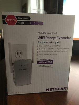 NETGEAR - AC1200 Dual-Band Wi-Fi Range Extender - White for Sale in Escondido, CA