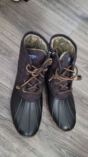 Sperry rain/snow water proof boots in the size women's 9M for Sale in City of Industry, CA