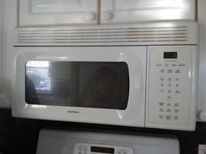 White microwave for Sale in Burbank, CA