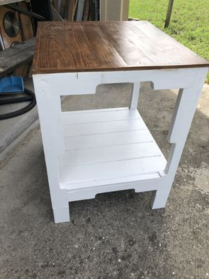 "Rustic custom built wooden farm house style kitchen island table 36"" high x27""30"" for Sale in Orlando, FL"