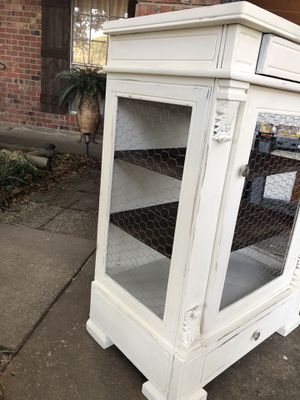 Display cabinet for Sale in Pineville, LA