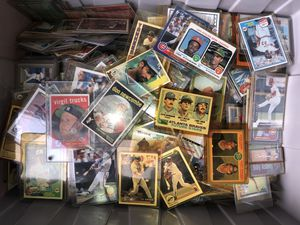 Large bucket 1950,s 60,s 70,s 80,s Baseball cards Hundreds best offer for Sale in Fort Lauderdale, FL