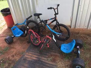 Small bmx bike and 2 tricycles ft worth for Sale in Fort Worth, TX