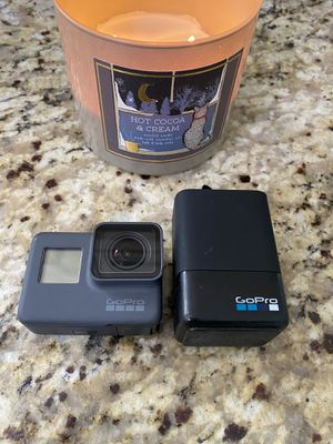 GoPro 5/ with 3 batteries for Sale in Erial, NJ