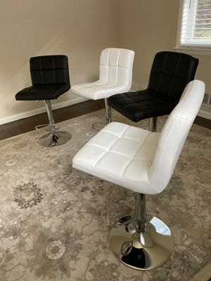 Set of 4 chairs bar stools new in box for Sale in Clifton, NJ