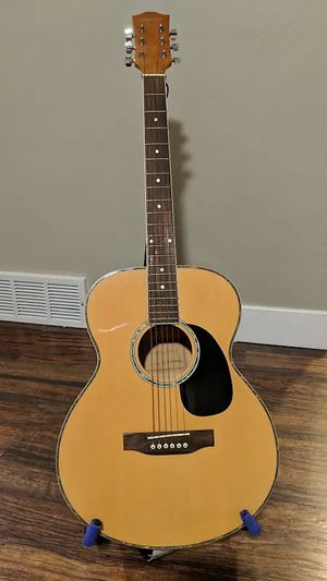 SEQUOIA GRAND CONCERT GUITAR. PLAYS AND SOUNDS GREAT. for Sale in Las Vegas, NV