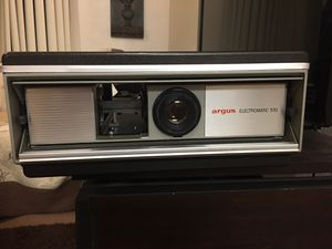 Vintage Argus Electromatic Projector w/remote for Sale in Riverside, CA