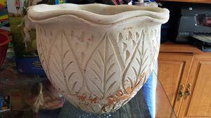 Ceramic plant pot for Sale in Seminole, FL