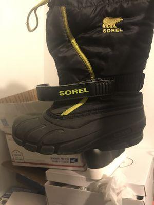 Sorel of Arctic kids snow boots sz 3 for Sale in Aurora, IL