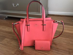 Authentic Kate spade purse with wallet for Sale in Fairfax, VA