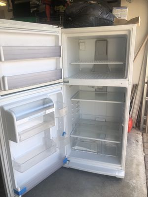 Whirlpool fridge freezer. for Sale in Lake Worth, FL