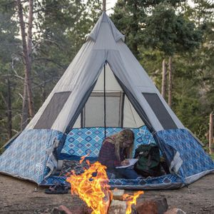 Wenzel 5person Teepee Tent for Sale in Kingsport, TN