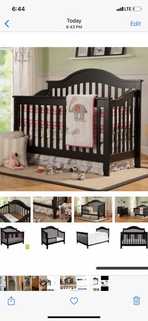 Crib day bed full bed frame $40 for Sale in Chicago, IL