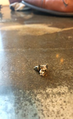 1/4 CT diamond earrings for Sale in Columbus, OH
