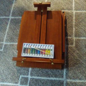 High End Adjustable Wooden Easel And Reeves Paints Set for Sale in Damascus, OR