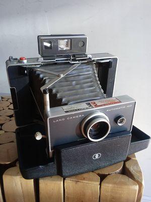 Polaroid Land Camera Automatic 100 circa @1960 for Sale in Montclair, CA