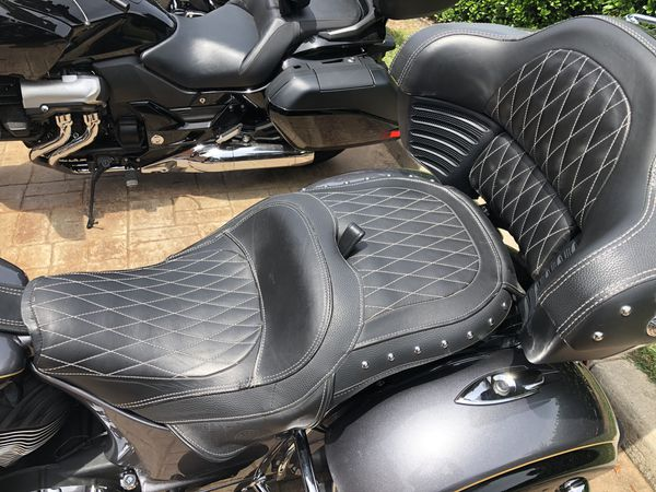 2016 Indian Roadmaster touring, PURE AMERICAN LUXURY !
