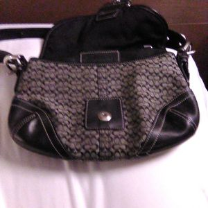 Coach Purse Like New $20.00 for Sale in Kent, WA