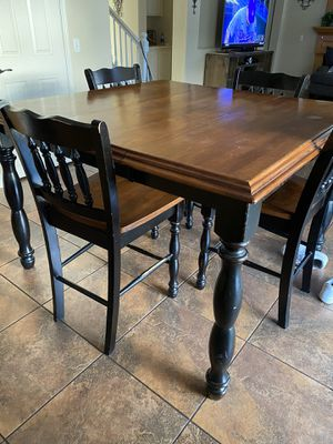 Wood Kitchen Table for Sale in Rancho Cucamonga, CA