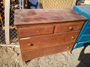 Projects dressers beds table for Sale in Fresno, CA