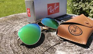 Ray ban sunglasses for Sale in Suitland-Silver Hill, MD