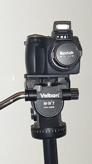 Kodak EasyShare DX6490 and Velbon Videomate 607 Tripod for Sale in Union City, CA