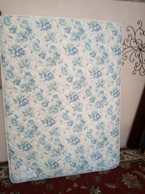 Nice queen matress and boxspring like new for Sale in Rockledge, FL