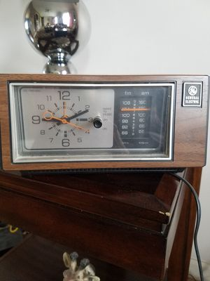 GE antique radio alarm clock for Sale in Garner, NC