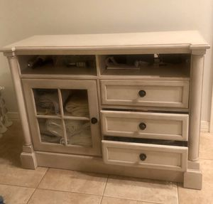 Dresser or TV Stand $110 for Sale in Phoenix, AZ