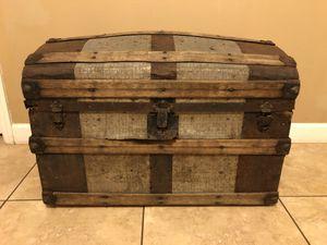 Vintage steamer trunk for Sale in Tampa, FL