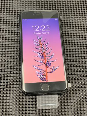 iPhone 7 - 32GB - unlocked for Sale in Los Angeles, CA