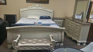 Bedroom set for Sale in Portland, OR