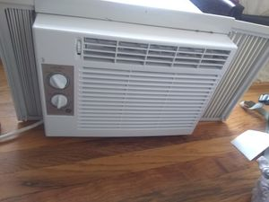 GE AC Window Unit for Sale in Denver, CO