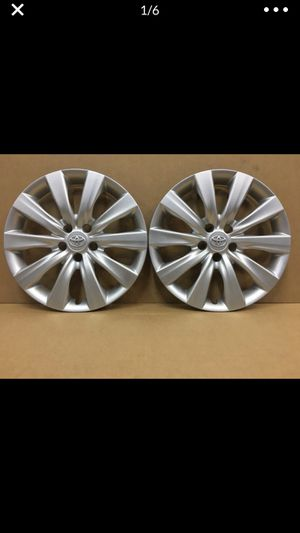 "(2) Toyota Corolla 16"" Original Factory OEM Genuine wheel covers hubcaps 2011-2013 tapa de goma hub caps for Sale in Hialeah, FL"