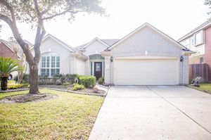 Beautifully updated 3 bed 2 bathrooms for Sale in Houston, TX