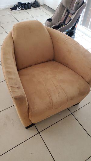Single Sofa for Sale in Bradenton, FL