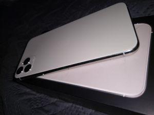 iPhone 11 ProMax (256GB Storage) SILVER for Sale in Moreno Valley, CA