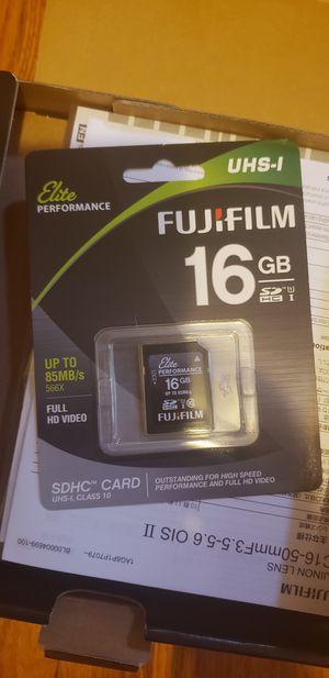Brand New Fujifilm X-A10 Mirrorless Digital Camera & lens for Sale in Portland, OR