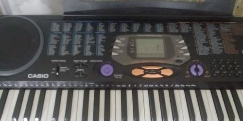 Casio CTK-541 Touch Response Keyboard With Foot Pedal, Chair And Stand, Like New, Great Sound, Great Key Board! for Sale in Boynton Beach,  FL