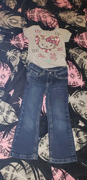 Toddler girls HELLO KITTY outfit size 3T for Sale in Waterford, PA
