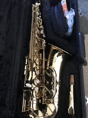 Chateau Alto Saxophone with case for Sale in San Marcos, CA