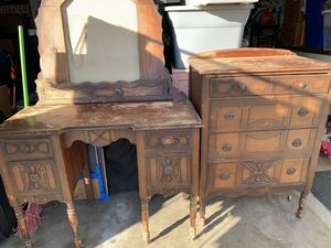 Antique/vintage 1930's Japanese dresser and vanity set with mirrors and side panels for Sale in Glendora, CA