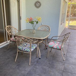 Iron Rod Patio Table set for Sale in Clermont, FL