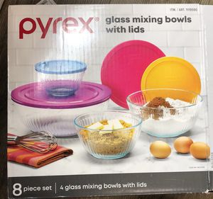 pyrex Glass mixing bowls with lids for Sale in Katy, TX