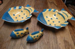 Tropical fish salt & pepper/bowl set for Sale in Portsmouth, VA