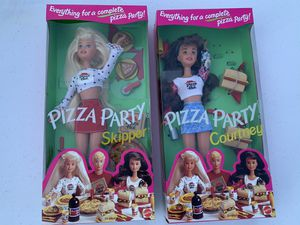 Rare Vintage Barbie. 1994 Pizza Party Skipper and Courtney for Sale in Whittier, CA