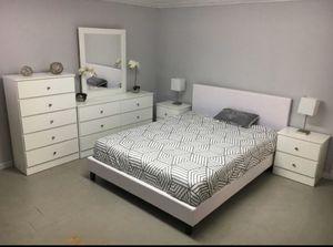 BEDROOM SET- JUEGO DE CUARTO for Sale in Hialeah, FL