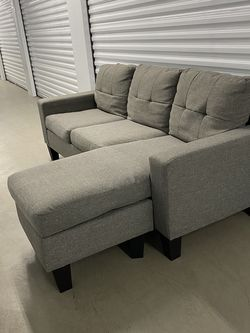 Couch (Free Delivery) for Sale in Spring Valley,  CA